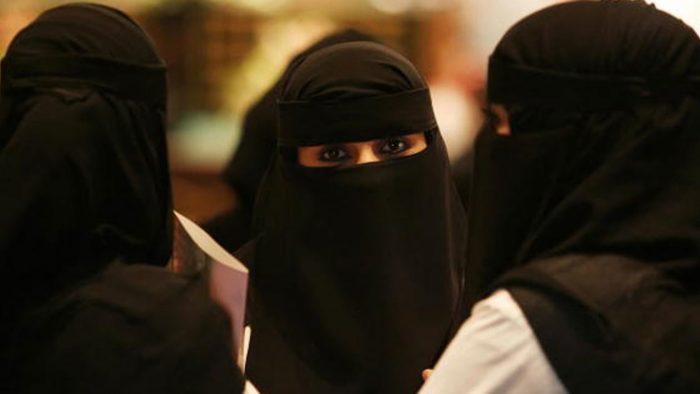 Apa Yang Bisa dan Tidak Bisa Dilakukan Wanita di Arab Saudi